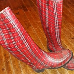 "Plaid rubber rain boots! 16"" tall!! Size 7"